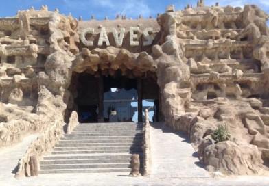 Hurgada ( Caves Beach Resort )